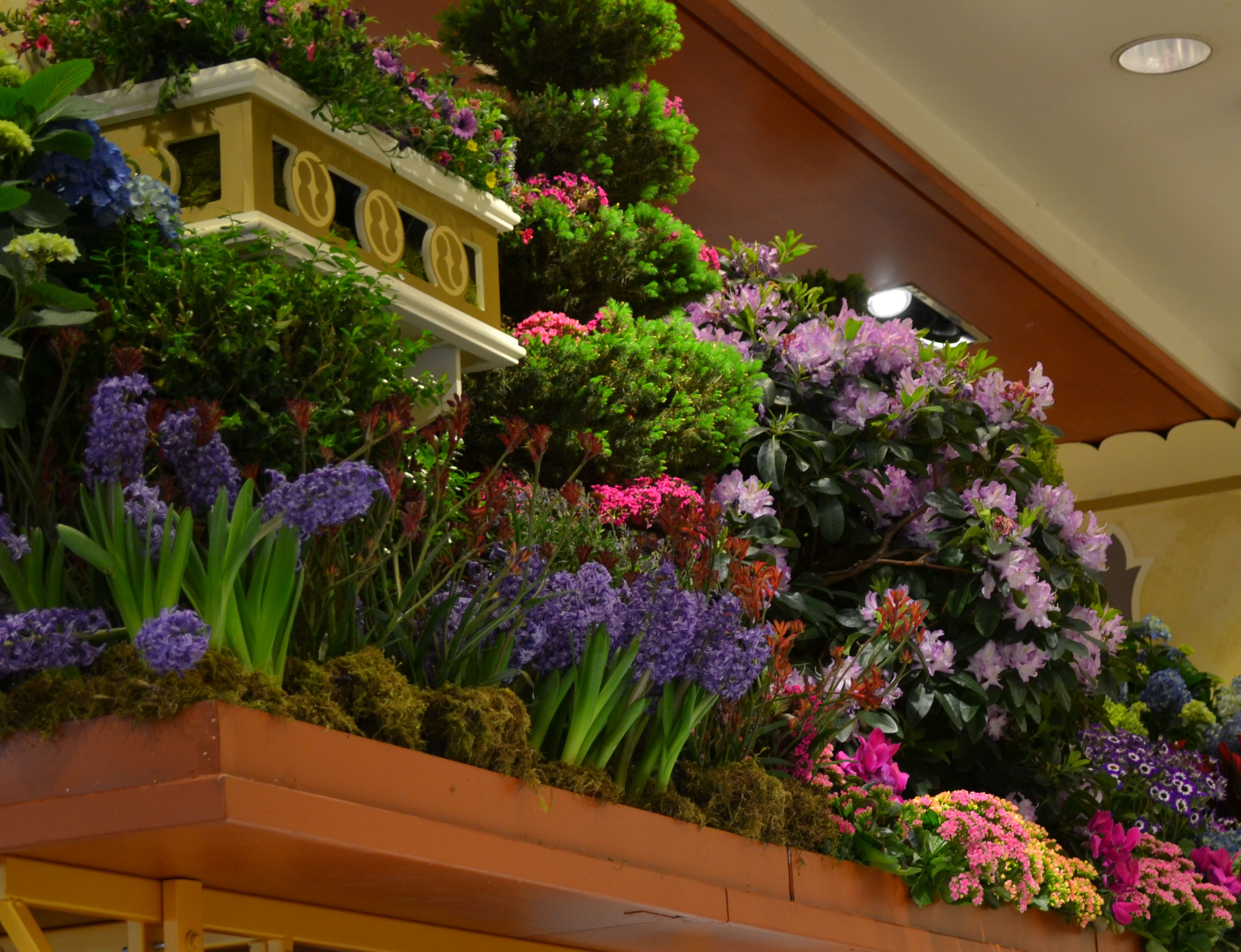Towers of Flowers   floralove