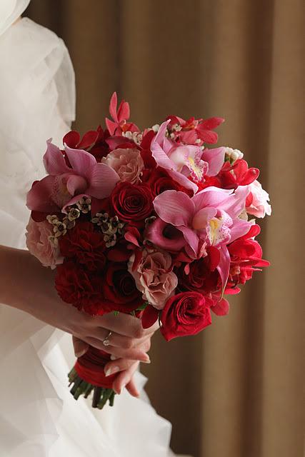 Архангельске, красные орхидея свадебный букет